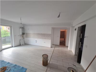 Apartament 3 camere 56mp + teren de 50mp.