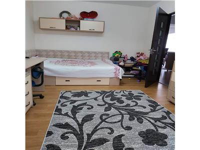 Apartament 3 camere, 70mp, Nicolina liber