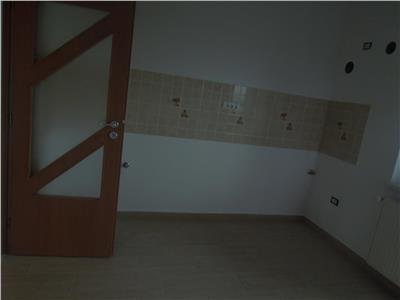 Apartament 3 camere 68mp Nicolina-zona de vile