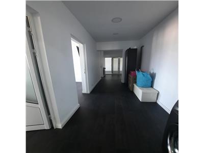 Apartament cu 3 camere, 80mp, nicolina 79900 euro