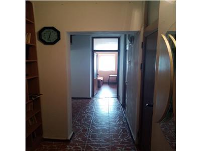 Apartament 4 camere decomandat, 98mp, 2 bai, boxa inclusa, Pacurari