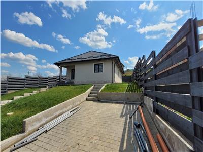 Casa  4 camere zona Valea Adanca