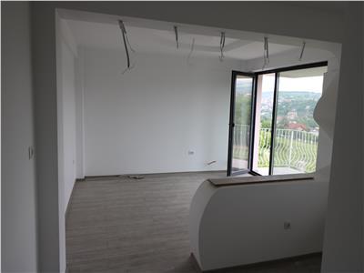 Apartament cu 3 camere,81mp, 74000 euro, Bucium