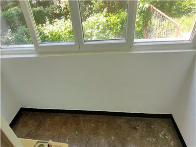 Tatarasi 2 camere renovat,parter cu balcon inchis ,bl fara risc
