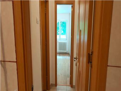 Liber 2 camere renovat,balcon inchis, bl fara risc